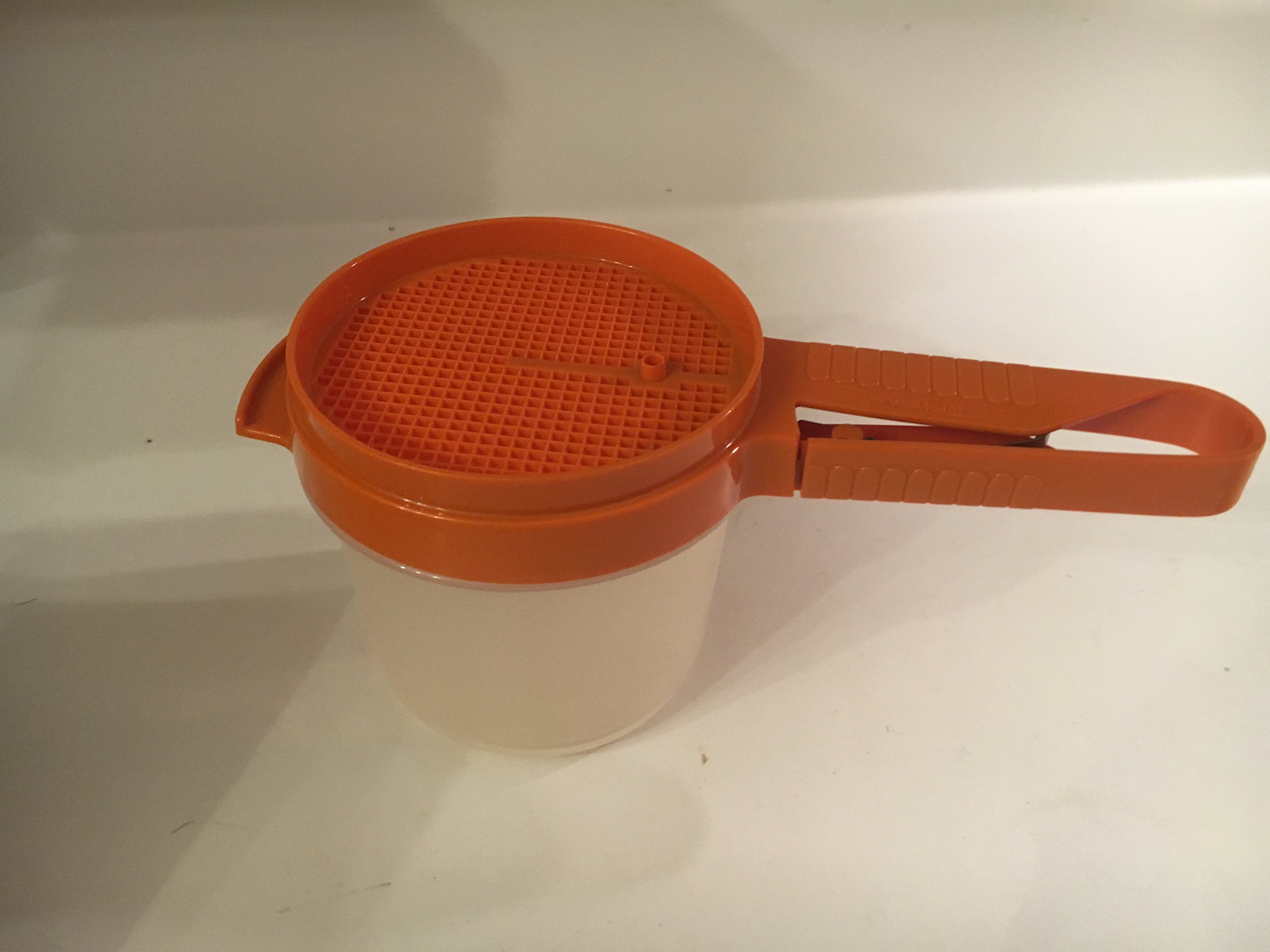 VINTAGE Tupperware Confectioners Sugar Sifter as shown