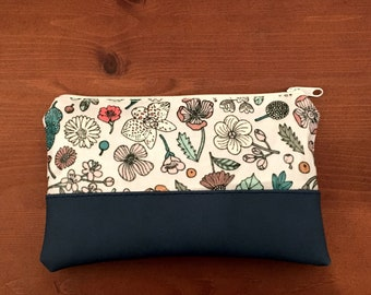 Cosmetic bag make-up bag pouch made of oilcloth plants and flowers with artificial leather