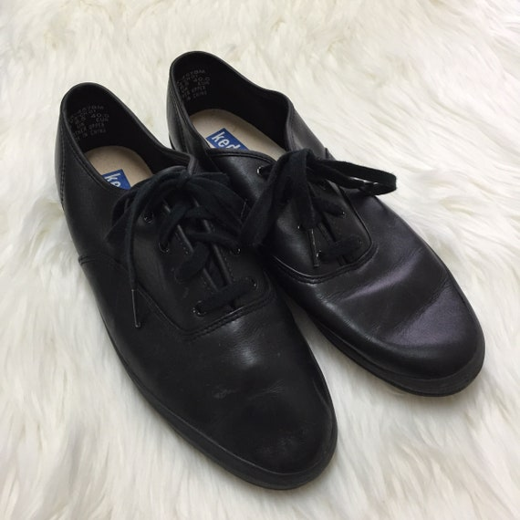 76d648309 Vintage Keds Size 9 All Black Leather Champion Classic Lace Up