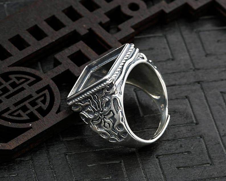 The high quality Ring Blank Adjustable Thai Sterling Silver Ring Base Antique Style Cabochon Ring Setting  KTJ44 Rectangle Blank