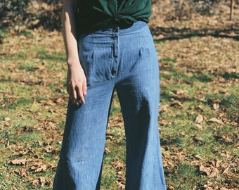 4d9fbe202f0 Vintage High Waisted Bell Bottom Jeans   Wide Leg Pants   Linen Pants   Size  Small   70s Style