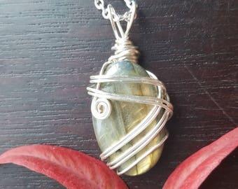 Labradorite necklace, labradorite jewelry, wire wrapped Jewelry, wire wrap jewelry, spectrolite labradorite, flashy jewelry, gifts for her