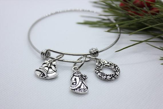 Santa Bracelet, Christmas Charm Bracelet, Christmas Bangle Bracelet, Christmas Wreath Bracelet, Bell Bracelet, Santa Charm Bangle