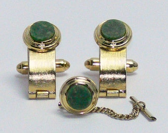 Vintage Dante Gold Tone Metal Jade Hinged Cufflinks and Tie Tack Set