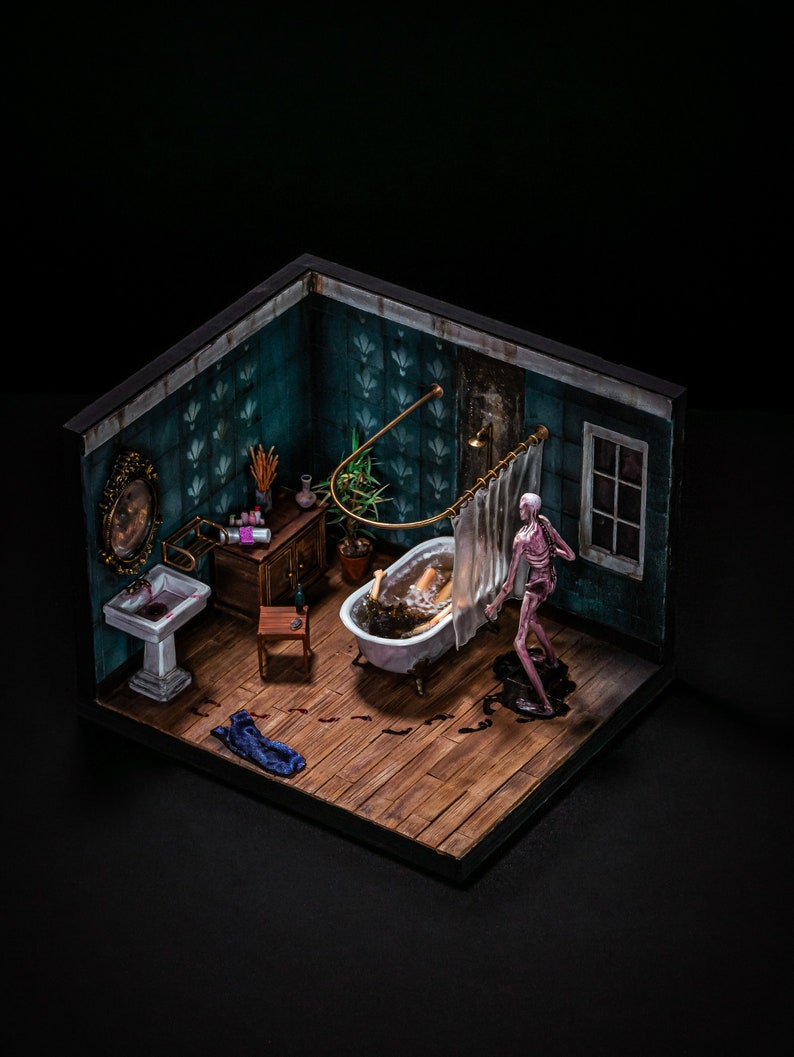 Creepy bathroom image 0