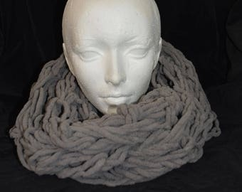 Handmade grey scarf tube / Foulard tube gris fait main