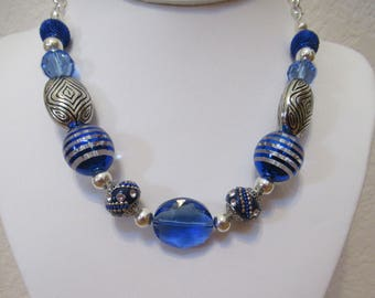 Beautiful Blue and Silver Necklace Set