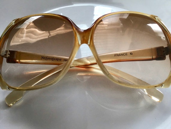 YSL Oversized Sunglasses without the box. 7891