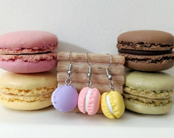 Macarons earrings with confetti cream!