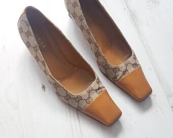5fdce841f41 Vintage 80 s Gucci ladies classic logo heel shoes pumps size UK 7 EU 40.5 C  US 8.5 ladies