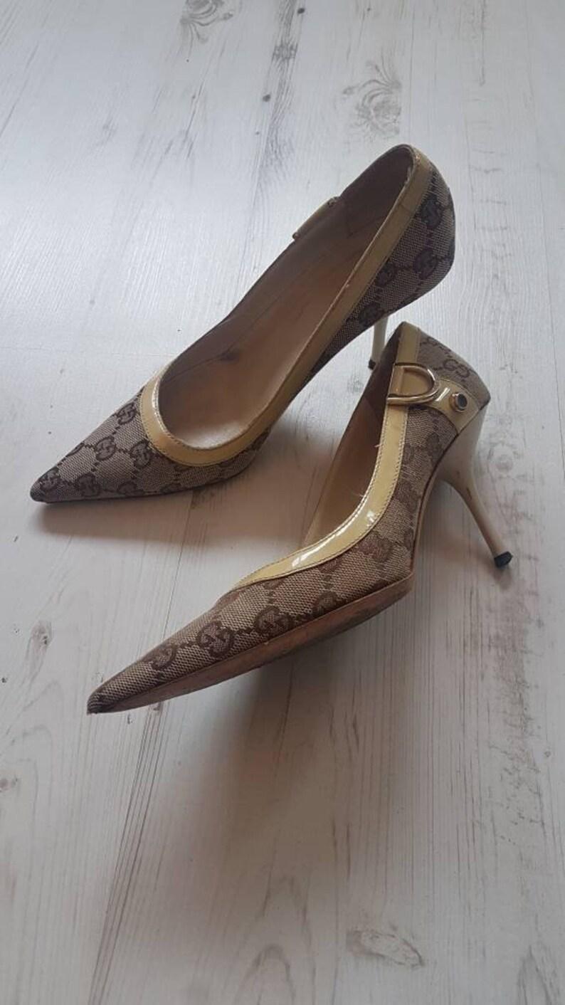 44ec419c02ff6 Vintage 90's Gucci ladies classic logo kitten heel shoes pumps size UK 3 EU  35.5 C US 5.5 ladies