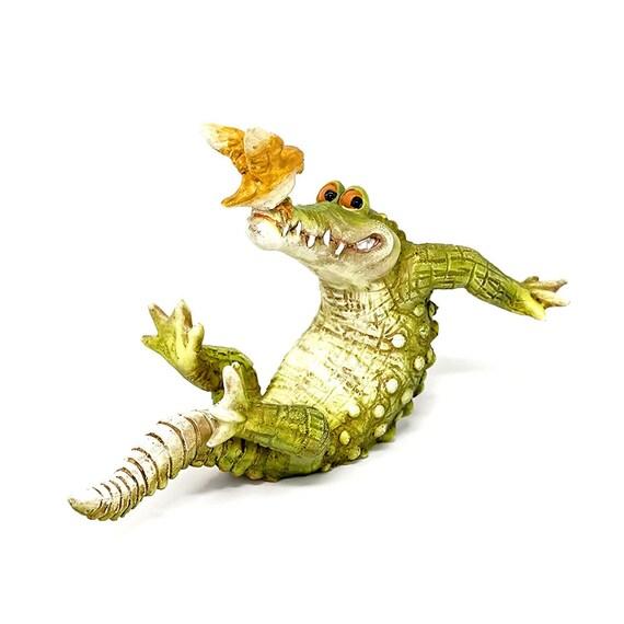 Miniature Dollhouse FAIRY GARDEN Figurine ~ Mini Frog Leaning on Cactus Pot NEW
