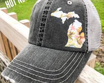 e7c65bf79ca8e1 Michigan floral hat
