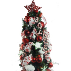 tabletop christmas tree red decorated christmas tree elegant christmas centerpiece 29 lighted tree office tree small christmas tree