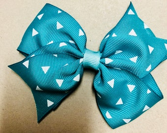 """4 1/2"""" Teal bow with triangle design"""