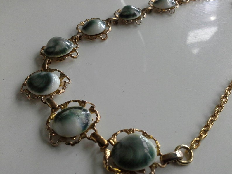 Vintage Gold Tone Filigree Necklace with Handmade White /& Deep Green Ceramic Cabochons
