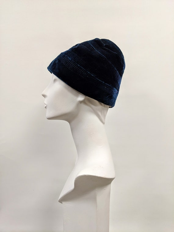 Vintage 1920's/30's French Velvet Cloche, Blue Clo