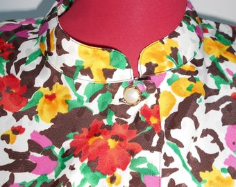 Vintage/retro flower print blouse