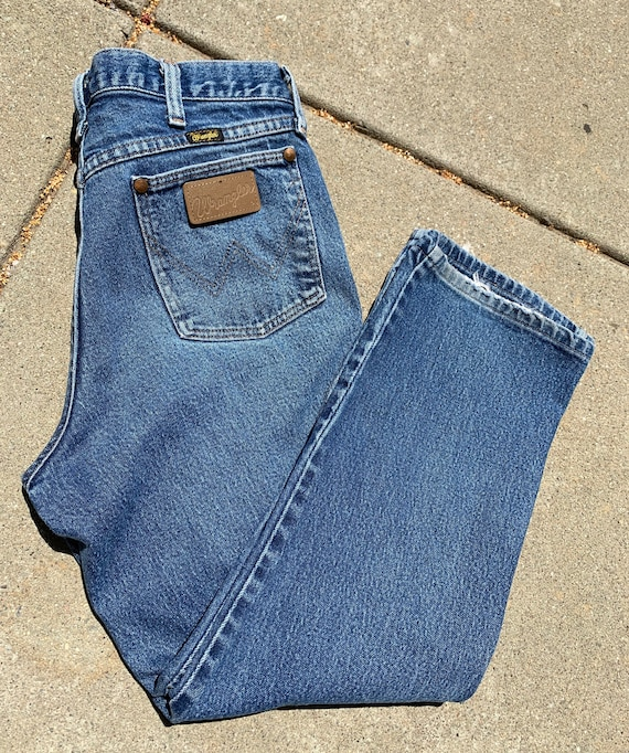 Wranglers Blue Cropped Jeans - image 2