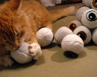 ECO friendly Catnip Eyeballs cat toys! Organic homegrown nip 100% all recycled materials!