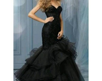 Uzo black V neck strapless dress