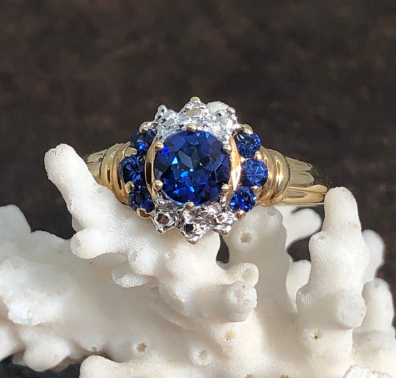 Vintage Blue Sapphire Ring in Solid 10K Yellow Gol