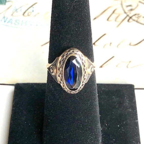 Vintage Oval Synthetic Sapphire Ring in 10k Yellow