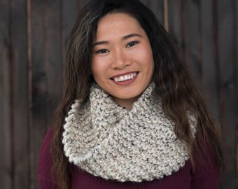Hand Knit Infinity Scarf // Wool Scarf // Chunky Knit Scarf: Oatmeal