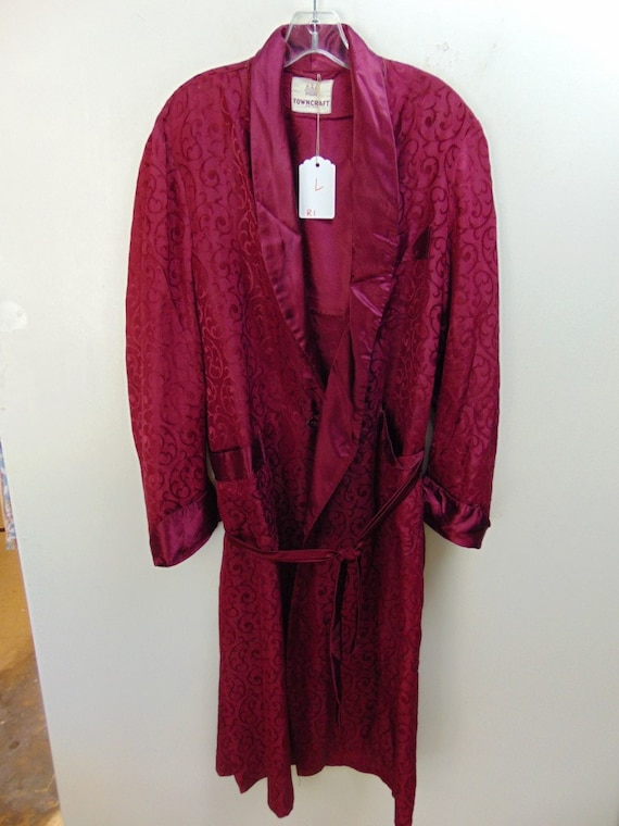 r1 1940's Rayon Red full Large vintage Robe
