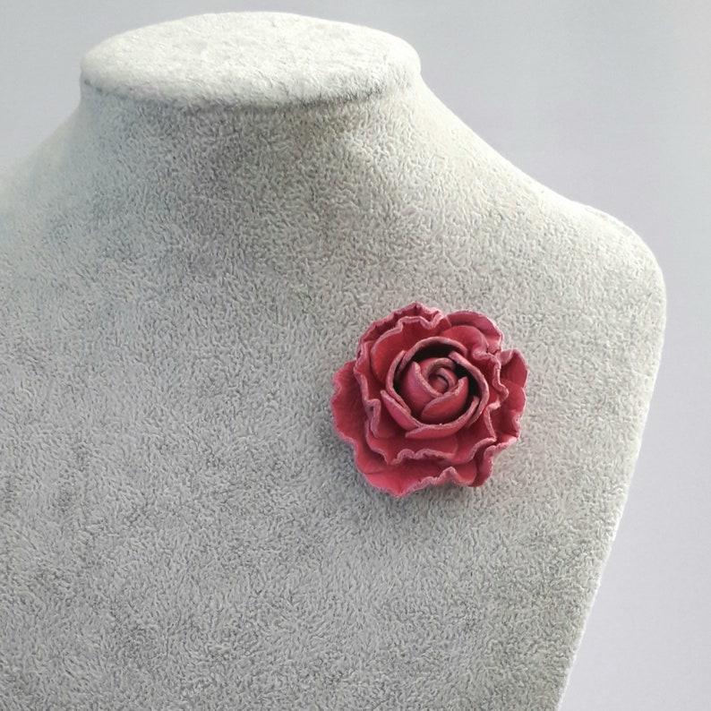Pink Men/'s lapel pin leather rose