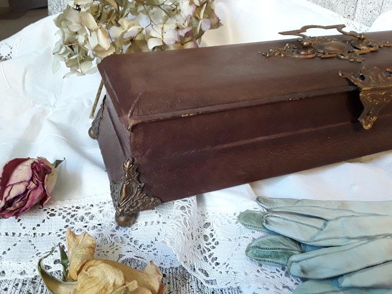 Antique Vintage Gloves Box Casket Napoleon III Brown Leather antique jewelry box jewelry display