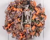 Halloween front door welcome wreath.