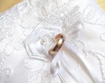 Classic Ring Bearer Pillow, White Ring Pillow, Lace Ring Pillow, Wedding Pillow, Ring Cushion, Bearer Pillows - Wedding Confetti Shop