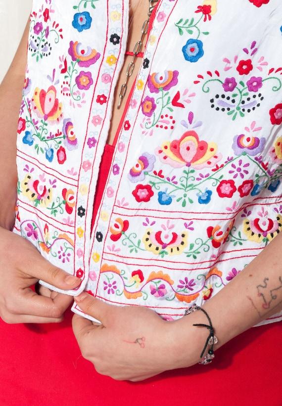 Vintage vest 70s folk floral hand-embroidered Hun… - image 4