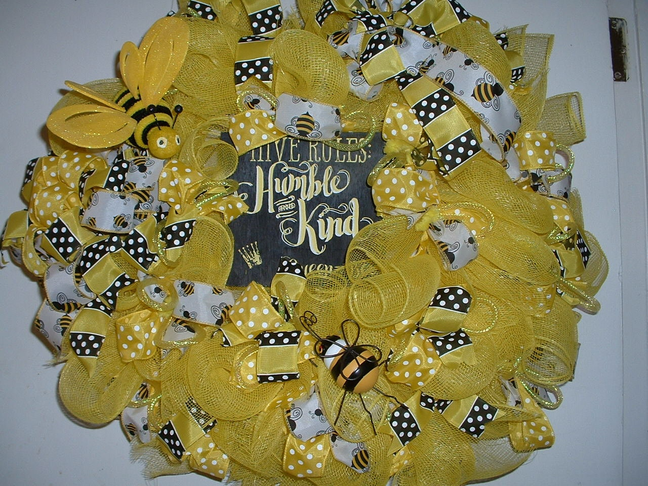 Bumble Bee Wreath,Large wreath Bees,front porch wreath, yellow wall ...
