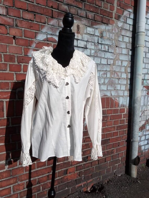 Vintage folklore blouse