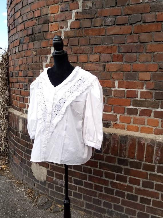 Vintage folklore blouse 70s