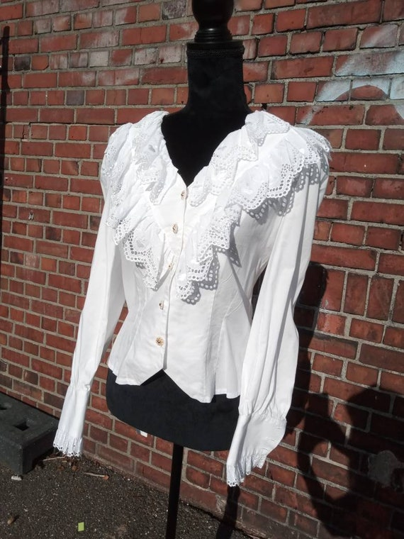 Waisted 80s folklore blouse