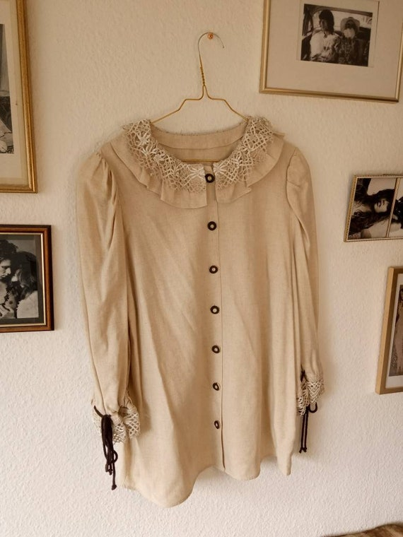 Vintage folklore blouse lace collar