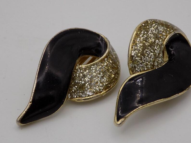 Vintage gift EARRINGS women Vintage jewelry women gift 50 year woman clip jewelry clip Vintage gold tone and black enamel