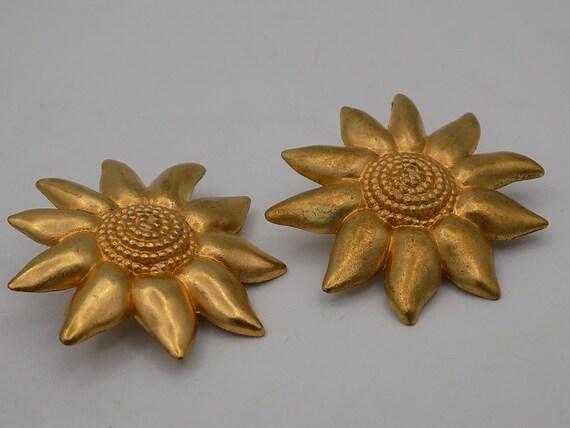 LANCÔME PARIS earrings, Vintage Clips, woman, clip