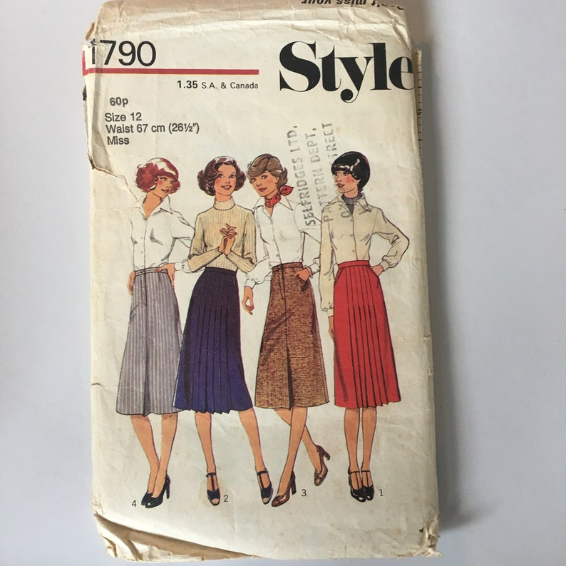 Style 1970s Vintage Sewing Pattern Supply 1790 Size 12 Waist 26 Inches Ladies Craft Set of Four Skirts Women/'s