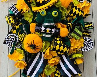 Ritzy Glitzy Wreaths Mr Bones Halloween wreath, Skull Swag for Door Decor, Halloween wreath, Halloween swag, Skull Decorations