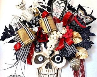 Halloween Wreath, Skeleton wreath, Skull Wall Decor, Skull Decoration, Skull Wreath, Skull wall decorations, Boho decor, Boho Skull Art