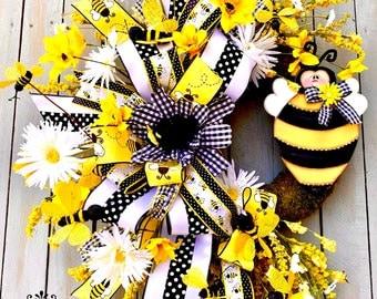 Bee wreath for Front door, summer wreath for front door, fall wreath, everyday wreath, Bee attachment wreath front door wreath, home decor