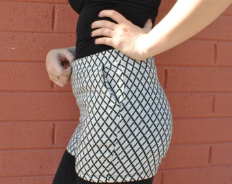 Mosaic & Co. Black and White Diamond Patterned Shorts