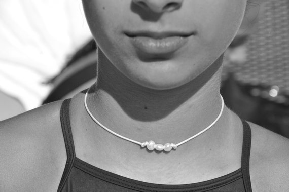 Small Pearl and White Leather Choker, Adjustable, Great Gift for Young Girls and Teens