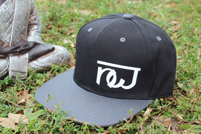 74c2531661f21 NW Black Charcoal Unisex Handmade Cap For Men   Women