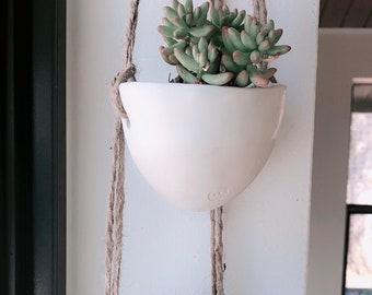 Jardinière en porcelaine petite suspendus