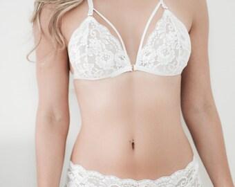 White Lace Lingerie Set DARE + Panty